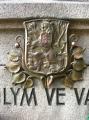 Pomník  - Bosonohy